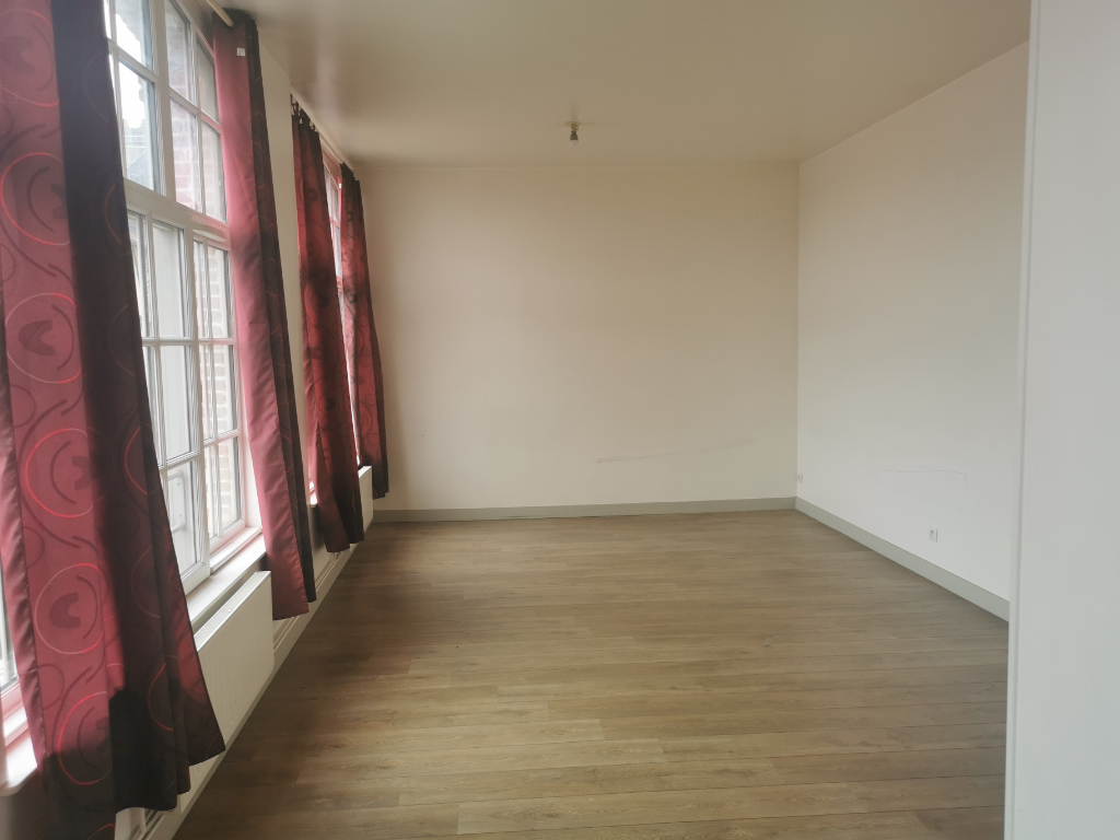 APPARTEMENT T2 3/8